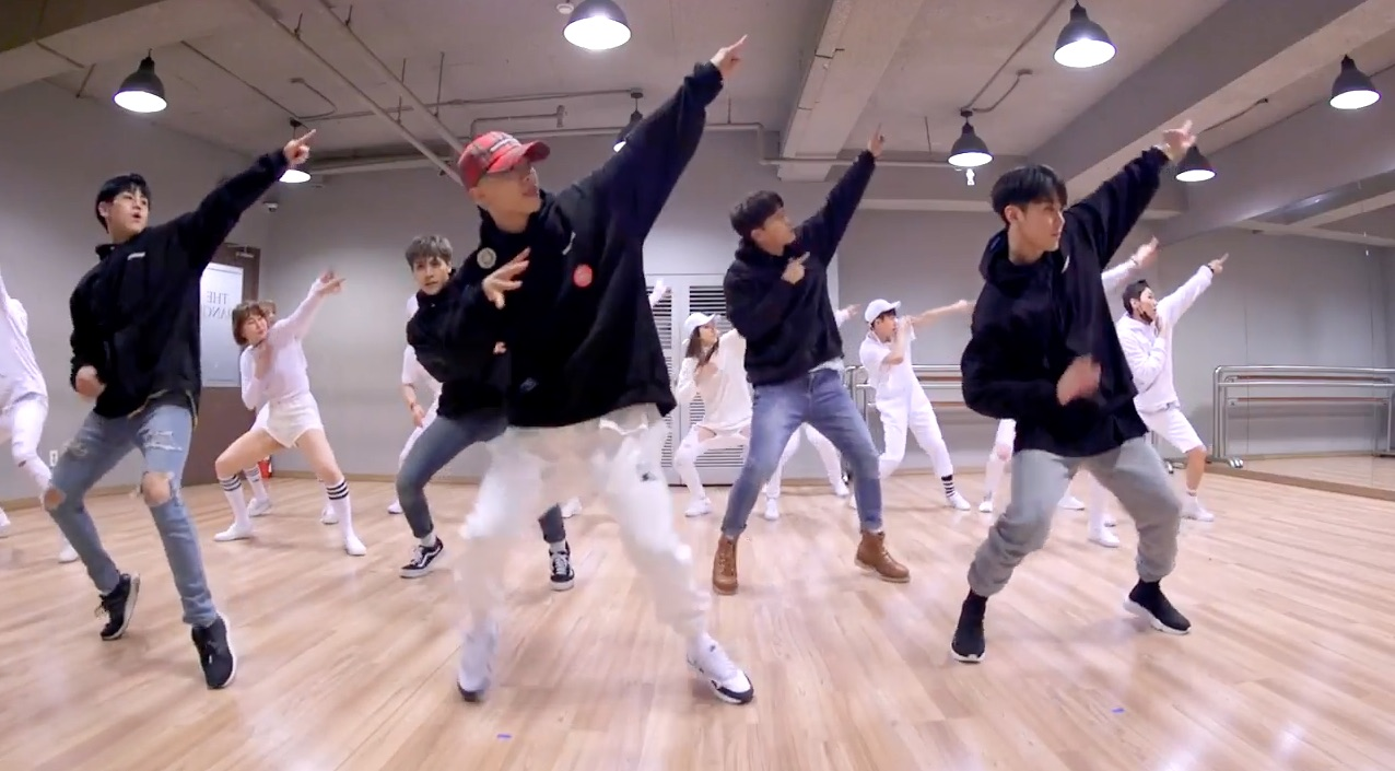 "Watch: Highlight Releases Fun And Energetic Dance Practice Version Of ""Plz Don't Be Sad"""