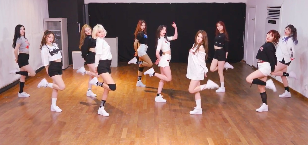 """Update: PRISTIN Challenges Fans To Fun Game With Second Dance Practice Version Of """"WEE WOO"""""""