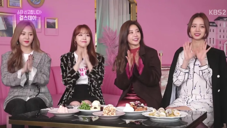 """Girl's Day Talks About Selfies, Commercials, Namgoong Min, And More On """"Entertainment Weekly"""""""