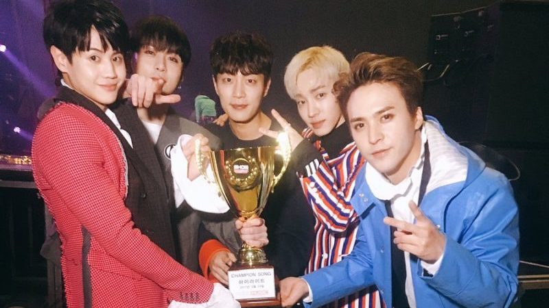 """Watch: Highlight Wins 2nd Trophy For """"Plz Don't Be Sad"""" On """"Show Champion,"""" Performances By GOT7, CNBLUE, GFRIEND, And More"""