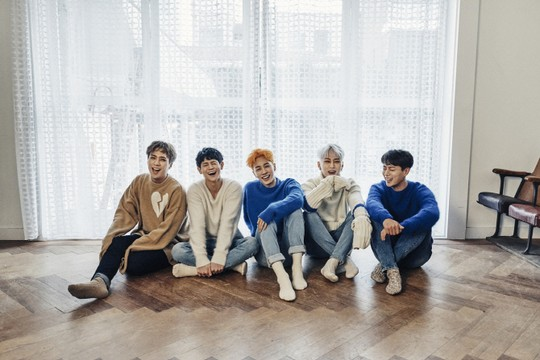 "Highlight Achieves A ""Triple Crown"" Across Gaon Music Charts"