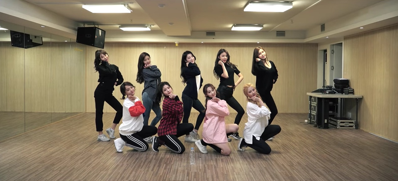 "Watch: gugudan Releases Fun Dance Practice Video For ""A Girl Like Me"""