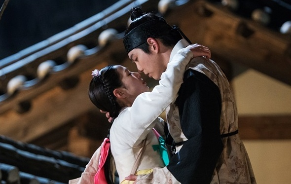 """Rebel: Thief Who Stole the People"" Takes Viewers Behind-The-Scenes Of Romantic Scenes"