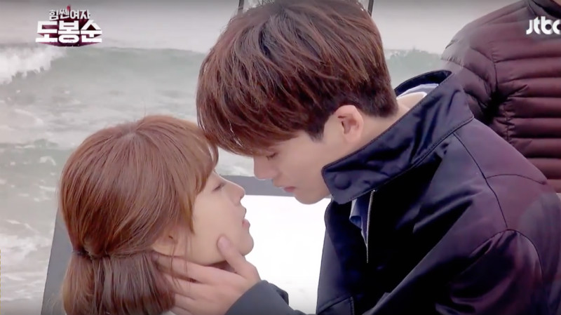 Watch: Park Hyung Sik And Park Bo Young Show The Struggles Behind Their Kiss Scene