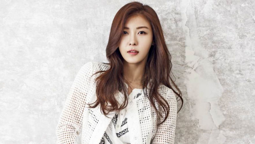 Ha Ji Won Currently Considering Starring Role In Upcoming Medical Drama
