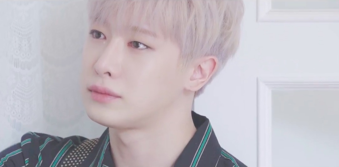 """Watch: MONSTA X Gifts Fans With Melancholy Acoustic Version Of """"Beautiful"""""""