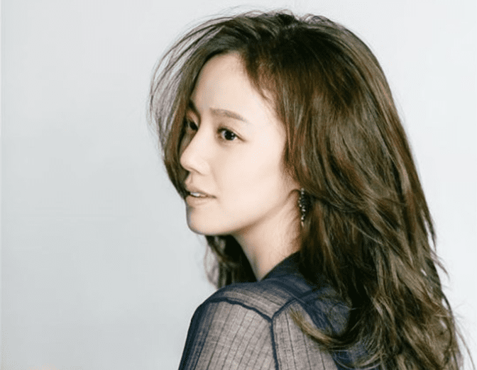 Moon Chae Won To Take Legal Action Against Netizen Claiming To Be Her Boyfriend