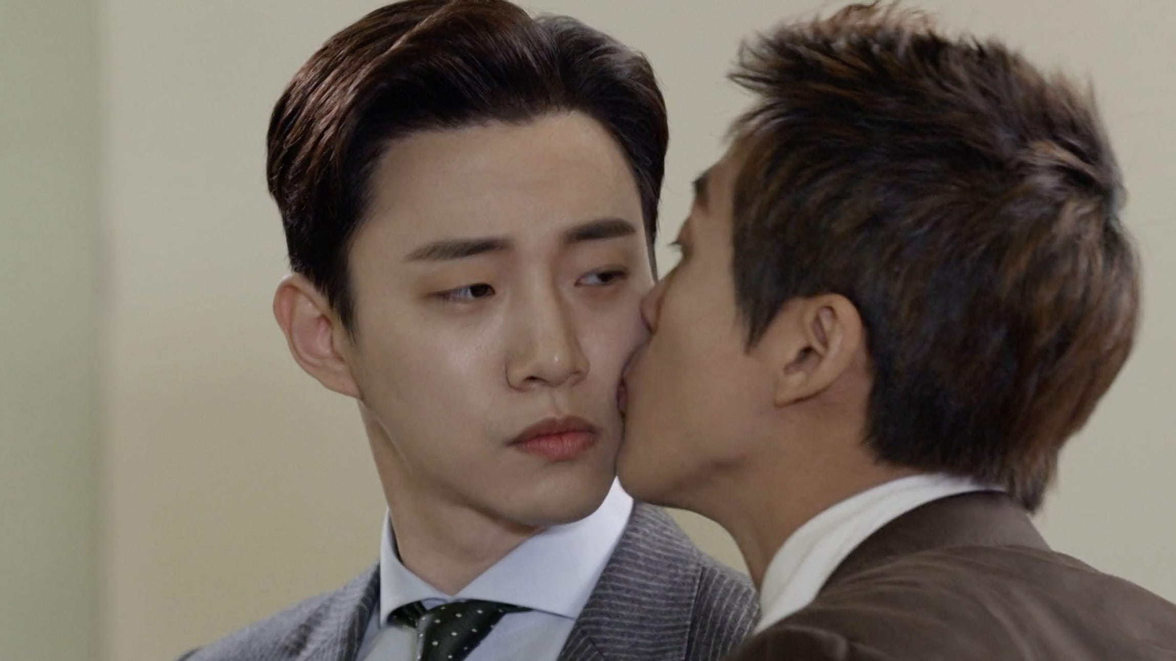 2PM's Junho Hilariously Describes His Kiss Scene With Namgoong Min As Moist