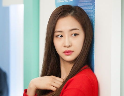 New Stills Reveal First Look At SISTAR's Dasom As Antagonist In Upcoming Drama