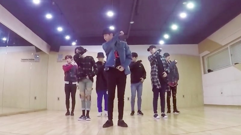 """Watch: GOT7 Impresses With Sleek Moves In """"Never Ever"""" Dance Practice Video"""