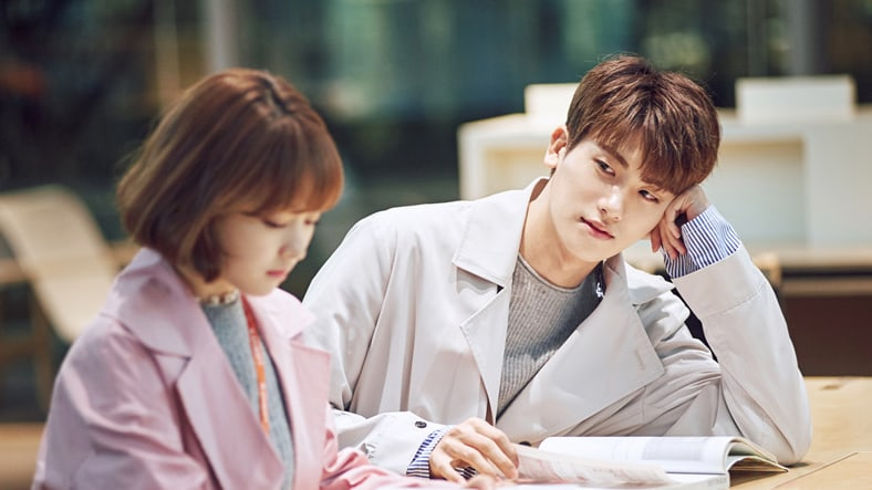 Watch: Park Hyung Sik Can't Take His Eyes Off Park Bo Young In New Making Video