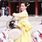 """""""Rebel: Thief Who Stole The People"""" Reveals How Much Honey Lee Practiced Just For One Scene"""