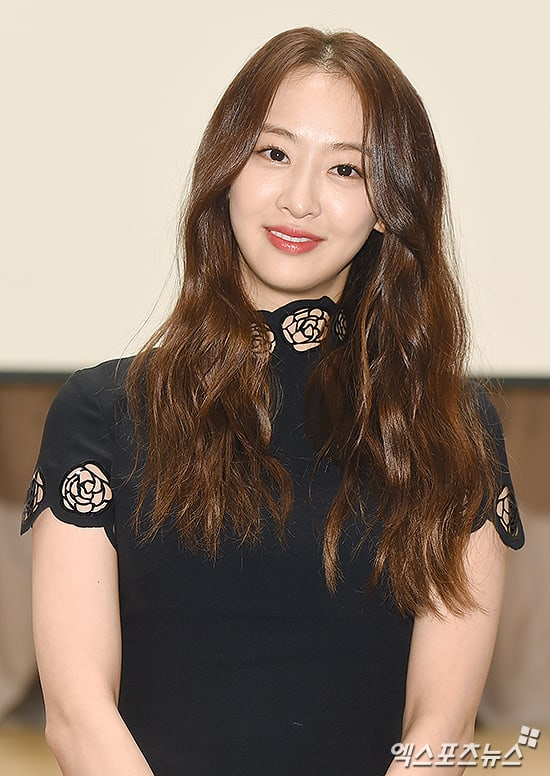 SISTAR's Dasom On Her Acting Ambitions And Comparisons To Hyeri