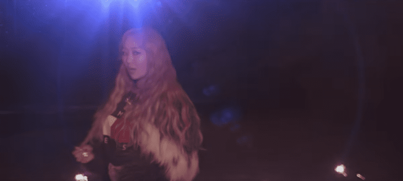 "Watch: SISTAR's Hyorin Enters World Of EDM With ""Blue Moon"" Featuring Rapper Changmo"