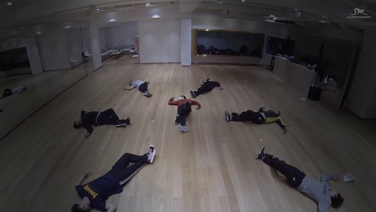 "Watch: NCT's Ten Wows With Hypnotic Dance Practice Version Of ""Dream In A Dream"""