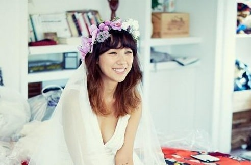 Lee Hyori To Unveil Her Married Lifestyle In New Variety Show