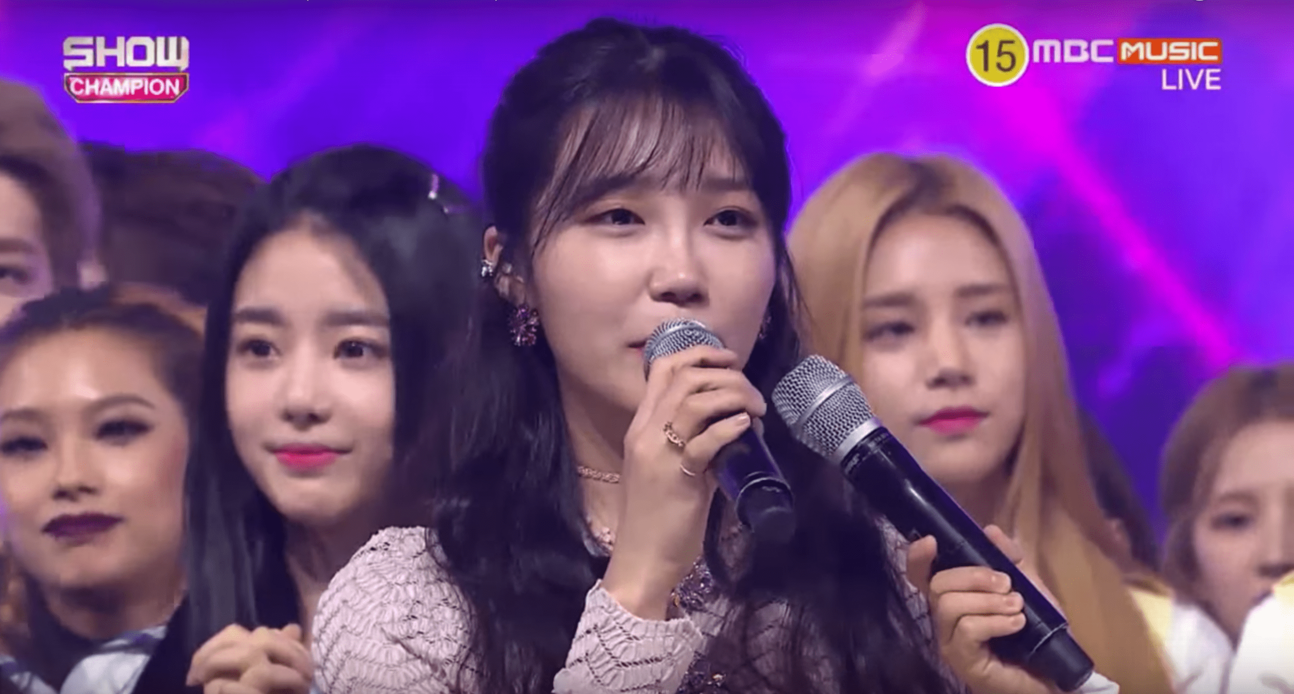 """Watch: Jung Eun Ji Takes 2nd Win For """"The Spring"""" On """"Show Champion,"""" Performances By Gong Minzy, EXID, LABOUM, And More"""