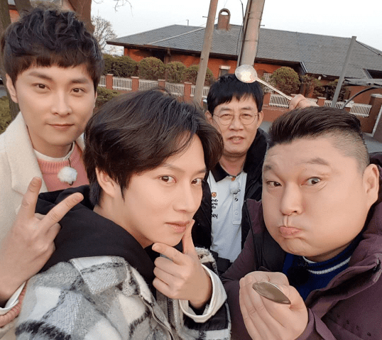 "Kim Heechul Compares ""Ask Us Anything"" To Outdoor Variety Shows"