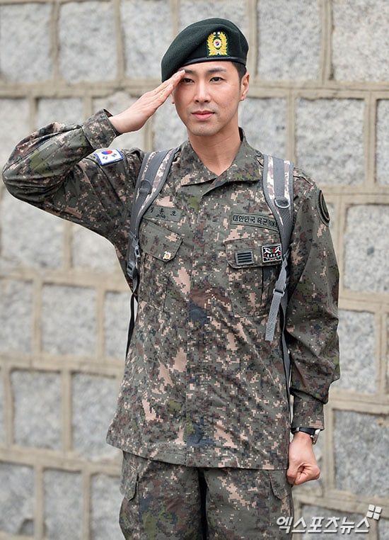 "TVXQ's Yunho Discharged From The Army, Says ""This Is Only The Beginning For TVXQ"""