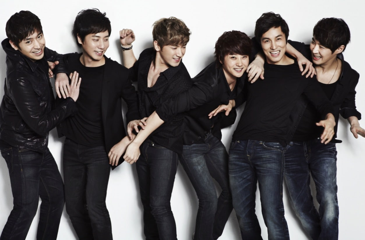 Shinhwa's Agency Says That Shinhwa Members Didn't Know About Eric And Na Hye Mi's Marriage