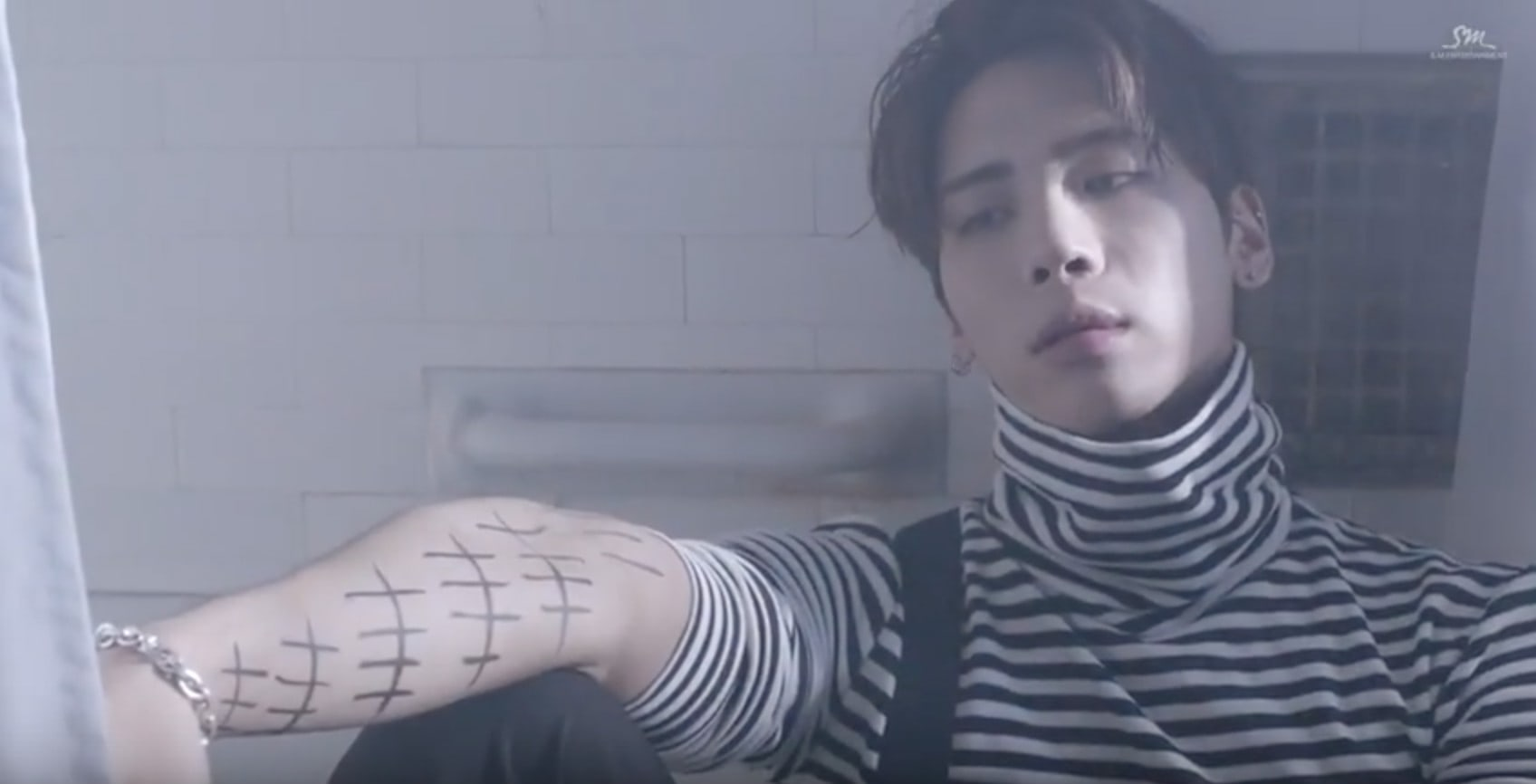 "Watch: SHINee's Jonghyun Just Wants Some Love In New Song Featuring Taeyeon, ""Lonely"""