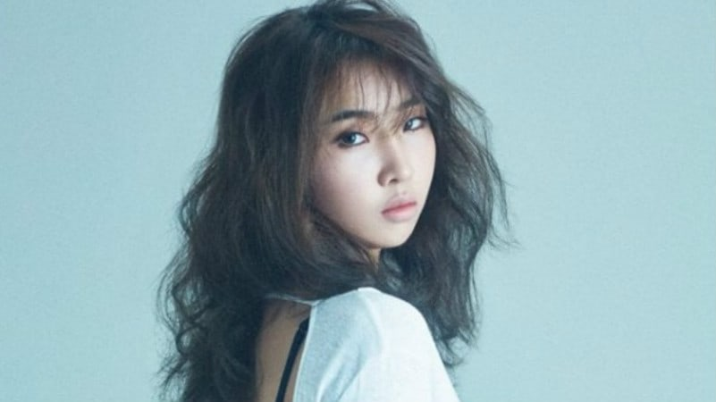 Minzy Continues To Dominate Charts And Comes In At No. 2 On Billboard