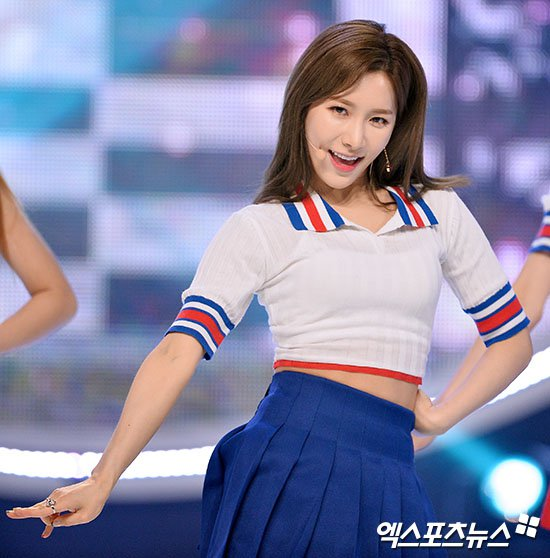 LABOUMs Soyeon Taken To Emergency Room After Show Champion Performance