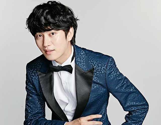 Super Juniors Kim Heechul Reassures Fans Of His Status After Minor Car Accident