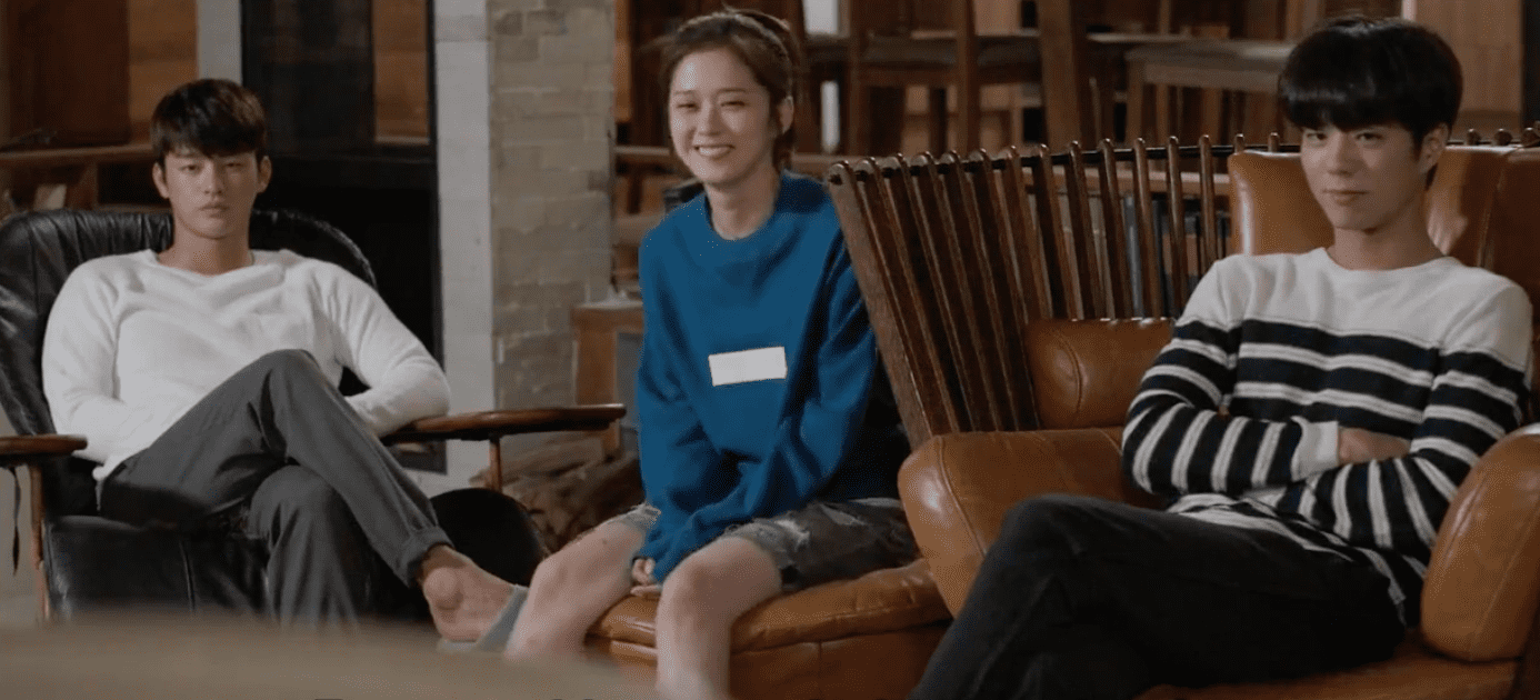 7 Stages Of Watching A K-Drama With Your Best Friend