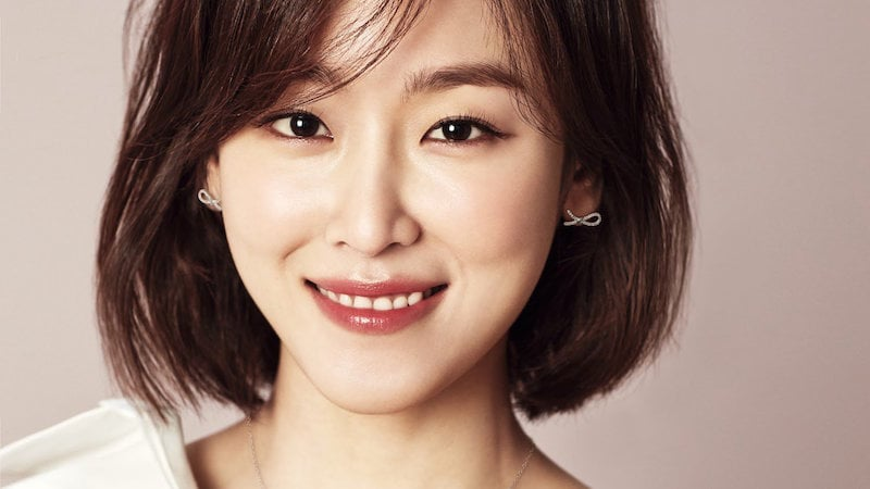Seo Hyun Jin Makes Thoughtful Attempt At Sign Language For Fan With Hearing Impairment