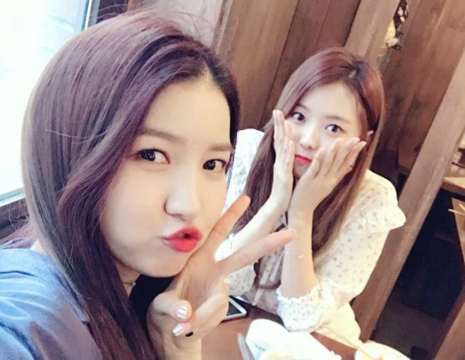 The Leaders Of GFRIEND And PRISTIN Enjoy A Nice Lunch Date