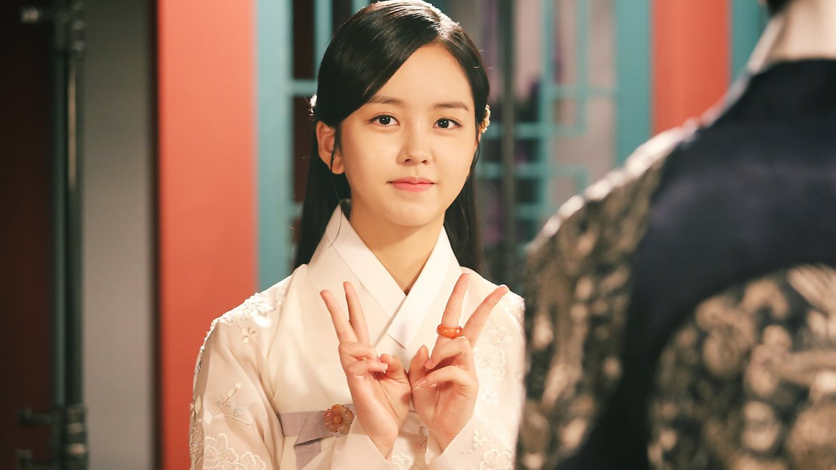 "Production Staff Of ""Ruler: Master Of The Mask"" Praise Kim So Hyun For Her Work Ethic And Kindness"
