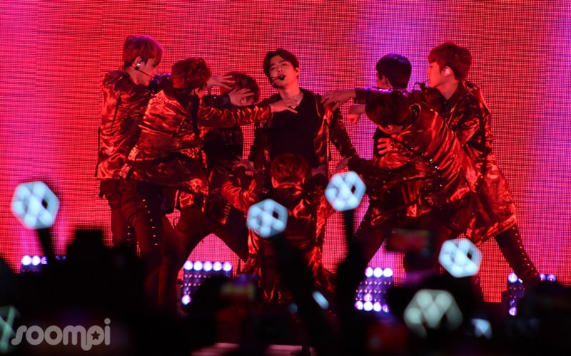 """EXO Brought The Heat To LA With """"EXO PLANET #3 -The EXO'rdium"""""""