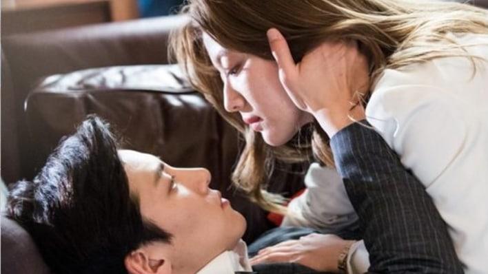 "Ji Chang Wook And Nam Ji Hyun Get Up Close And Personal In New ""Suspicious Partner"" Stills"