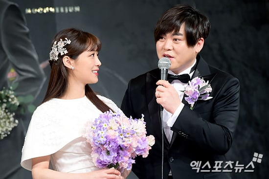 Moon Hee Jun Reacts To The Negativity Surrounding His Wifes Pregnancy