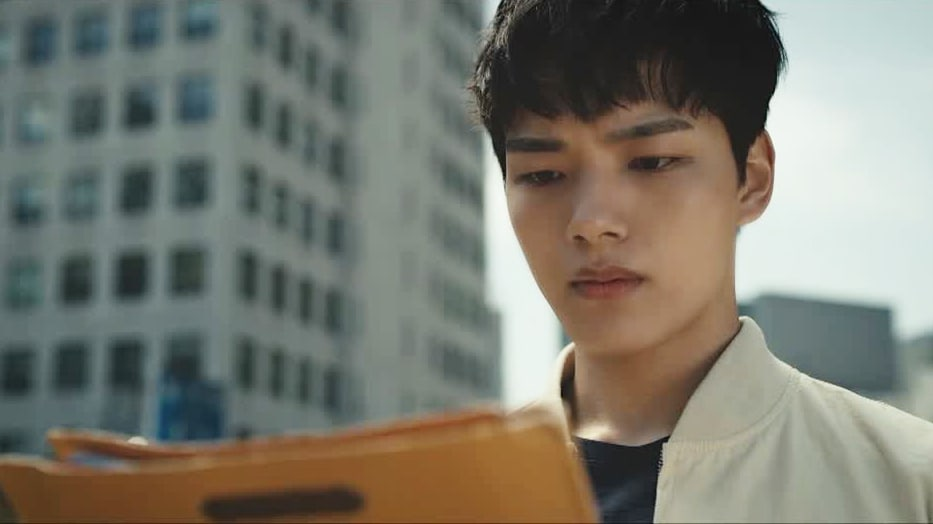 "PD Of tvN's Upcoming Drama ""Circle"" Praises Yeo Jin Goo For His Near-Perfect Acting"