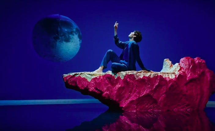 "Watch: VIXX Is Stunningly Graceful In Aesthetic MV Of Comeback Track ""Shangri-La"""