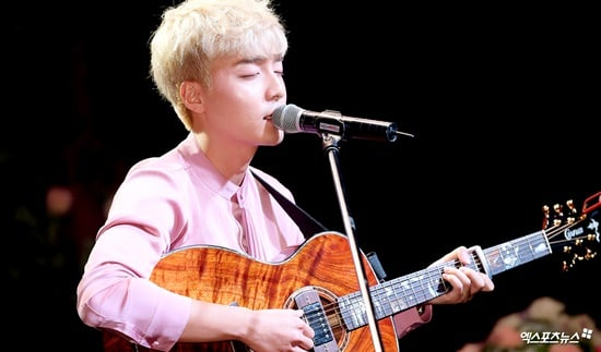 Roy Kim Is Grateful To Idol Groups Like EXO And BTS For Bringing K-Pop To All Corners Of The World