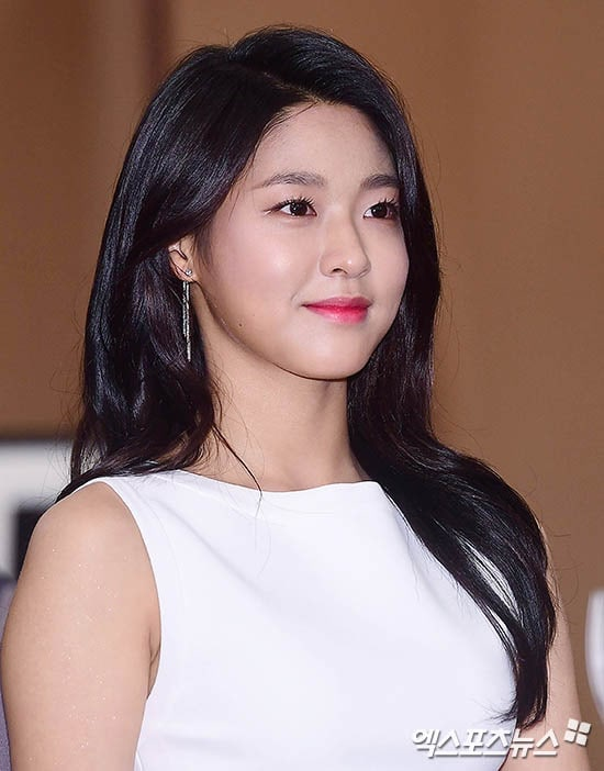 AOA's Seolhyun Receives Offer To Appear In Upcoming Historical Film Starring Jo In Sung