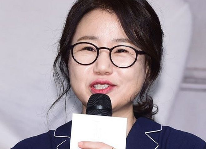 Top Drama Writer Kim Eun Sook Talks About Writing Scripts On The Fly, Cheesy Lines, And The Ending Of Lovers In Paris