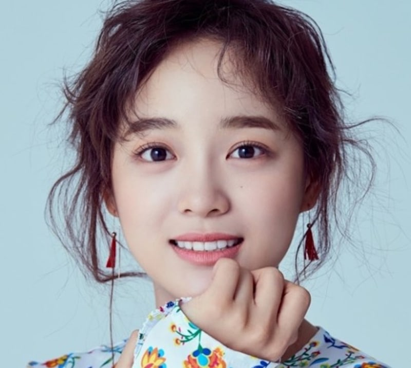 """gugudan's Kim Sejeong Confirmed To Take Lead Role In """"School 2017"""""""