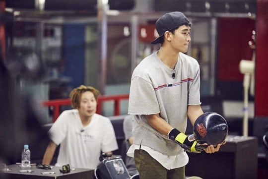 Kim Soo Hyun To Show Off His Bowling Skills On Infinite Challenge