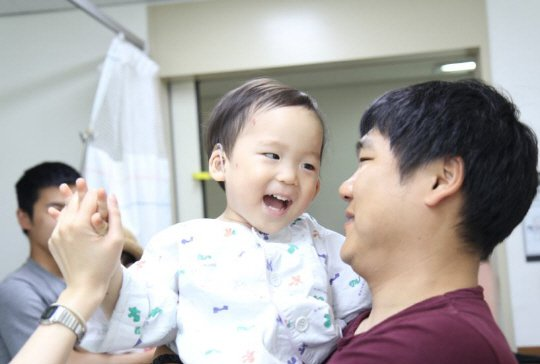 Park Myung Soo Revealed To Have Helped Hearing Impaired Children Through Donations