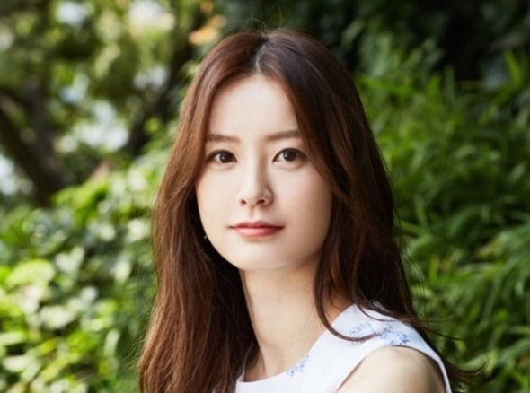 Jung Yoo Mi Considering Role In Hit Writer's Upcoming Drama