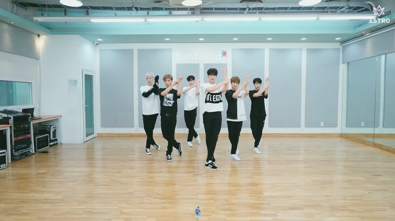 """Watch: ASTRO Shows Off Their Moves In """"Baby"""" Dance Practice Video"""