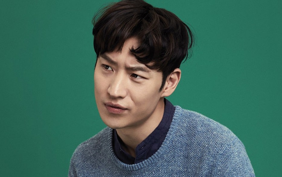 Lee Je Hoon Reveals Just How Hard It Was To Memorize All Of The Japanese Lines In His New Movie