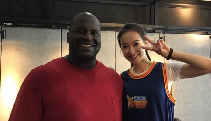 Shaquille O'Neal Asks f(x)'s Victoria To Marry Him