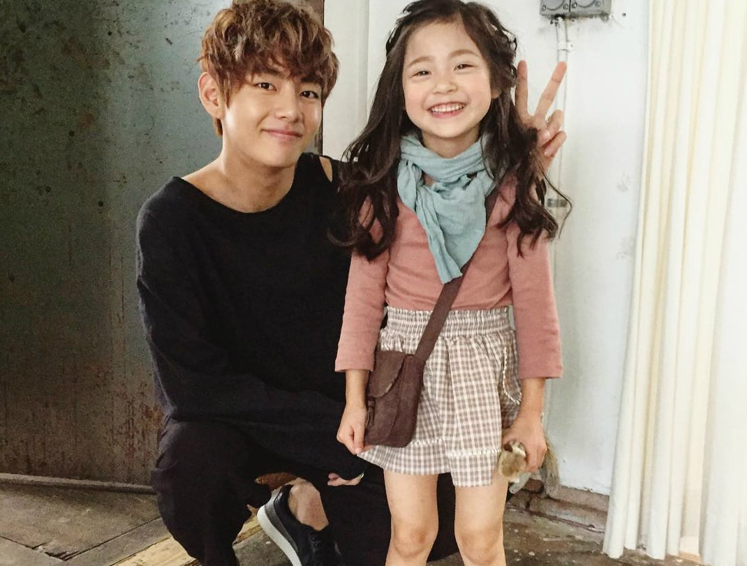 14 Times K-Pop Idols Adorably Interacted With Kids