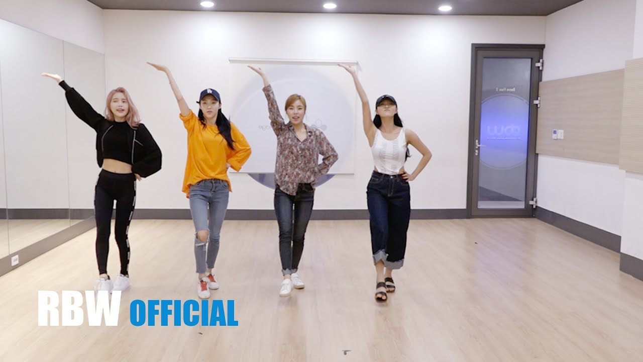 """Watch: MAMAMOO Show How Their Cute, Swaggy Performances Come About In """"Yes I Am"""" Practice Video"""