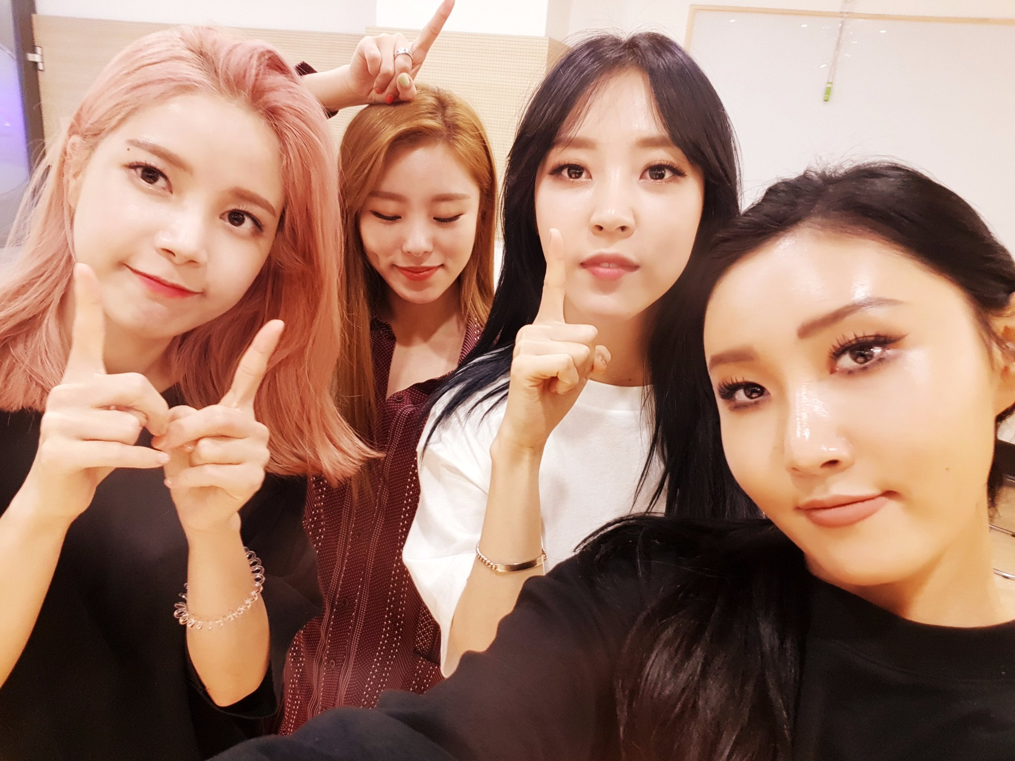 """MAMAMOO Takes 3rd Win For """"Yes I Am"""" On """"M!Countdown"""" On Special Half-Year Commemorative Broadcast"""